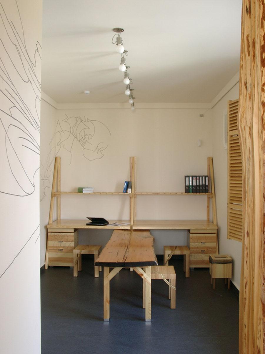 LIVE GRAPHIC ARTS | office interior