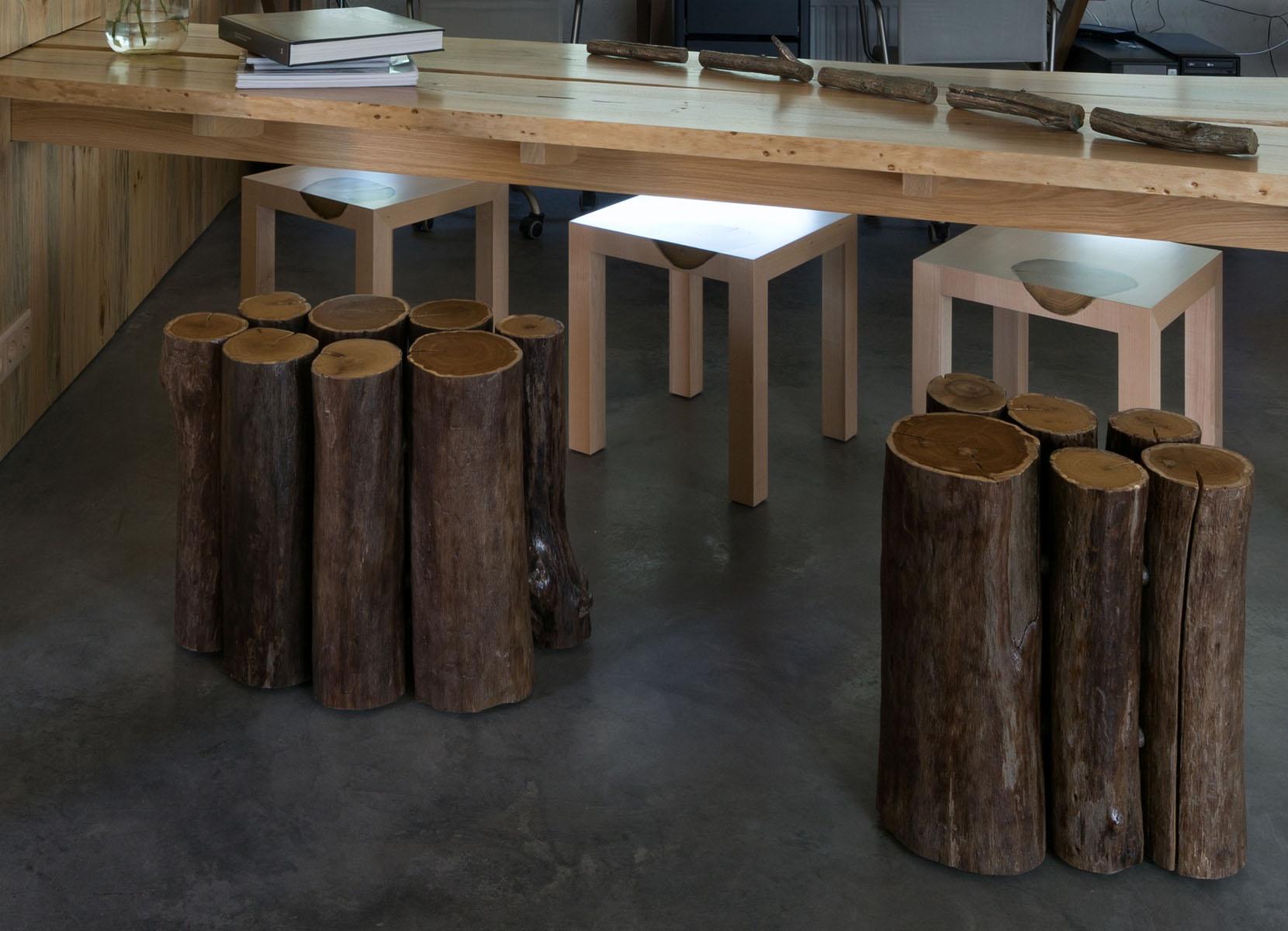 stool stump on wheels
