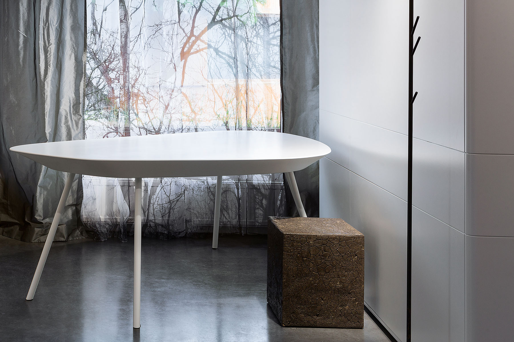 work-table Ideal White