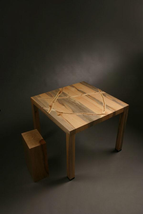 table Tibet M