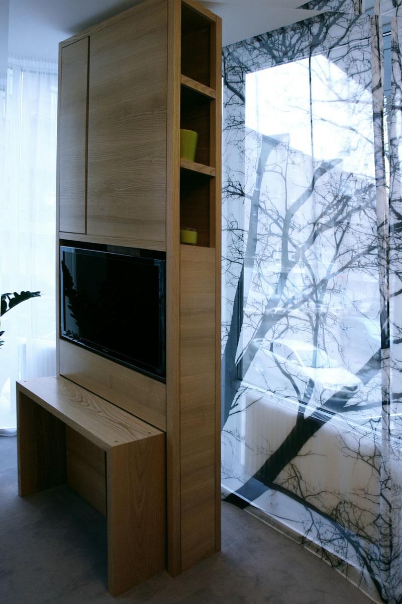 библиотека Silk с выдвижным столиком