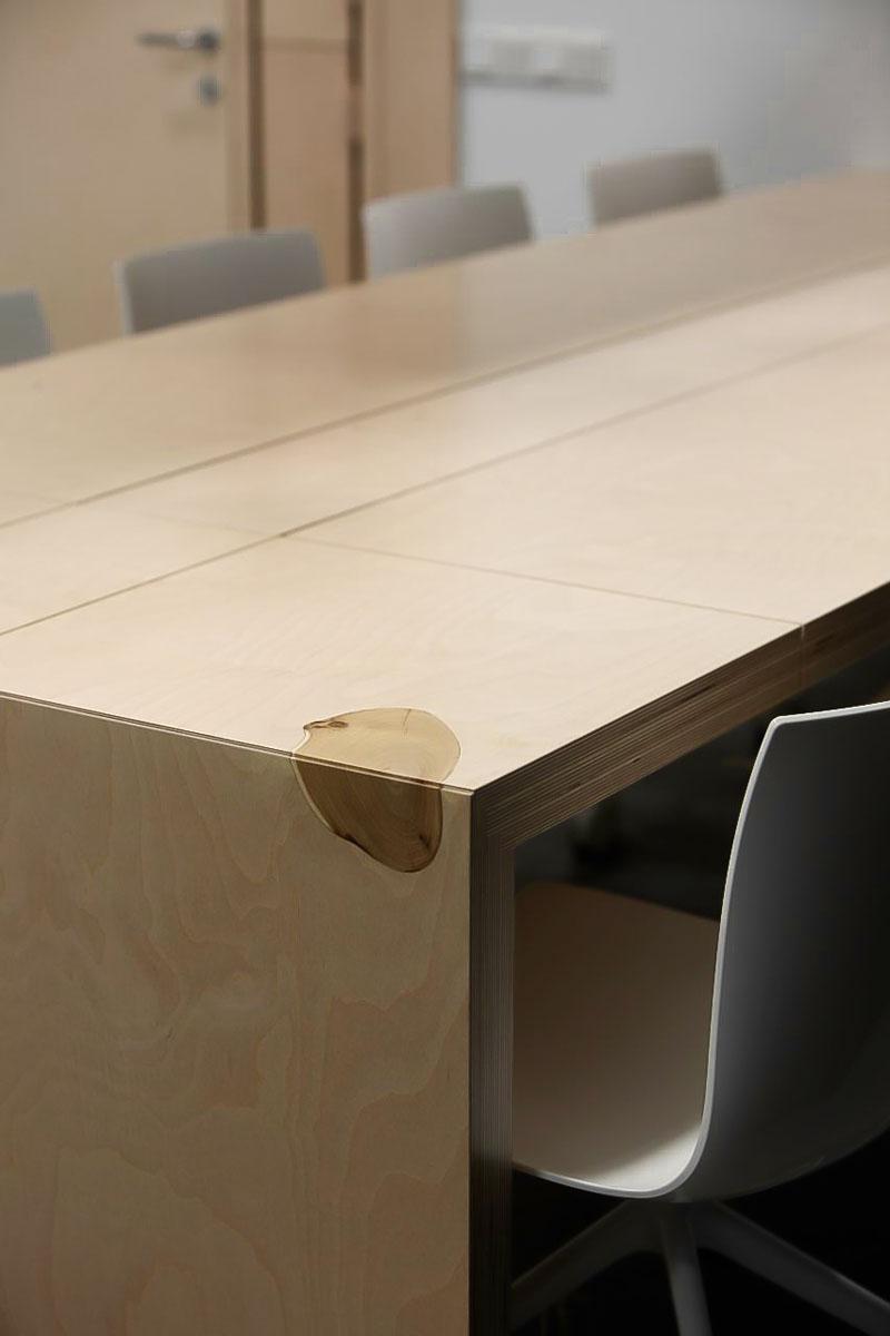 стол переговорный c травой