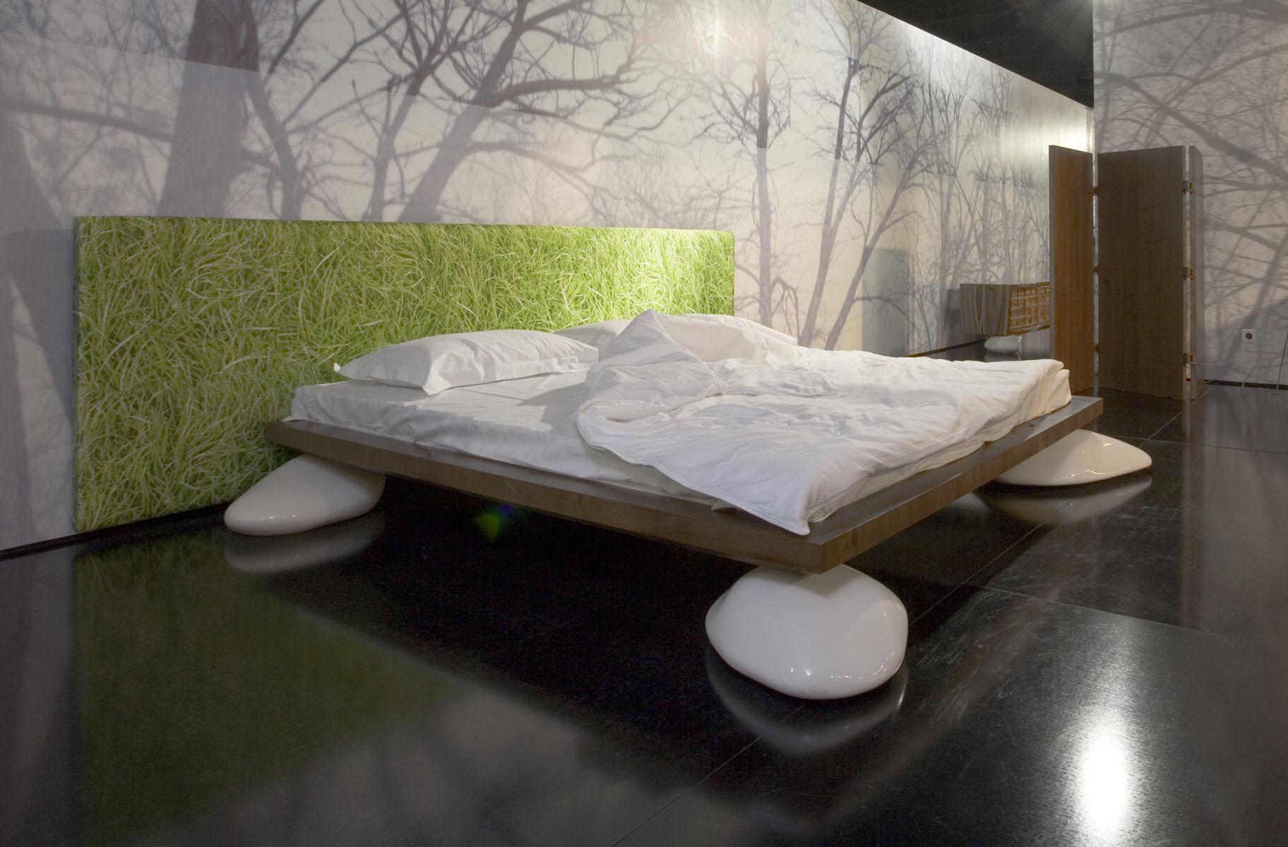кровать на камнях Se Nux